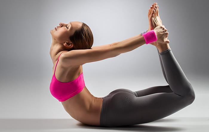 huong-dan-cach-chua-dau-da-day-bang-bai-tap-yoga1