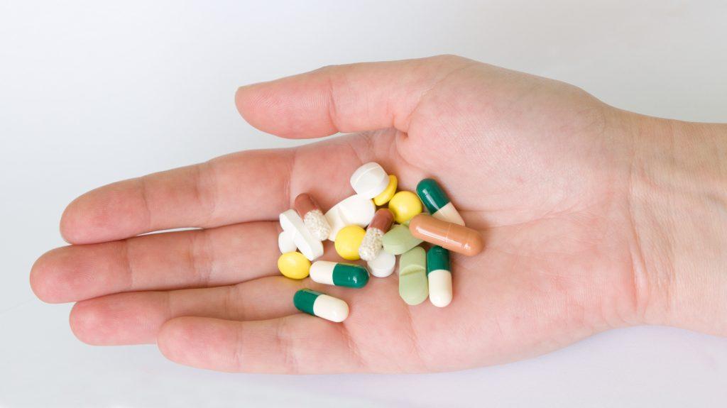 Thuốc tây y gây đau dạ dày ở trẻ