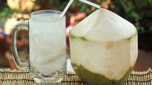 Bị đau dạ dày có được uống nước dừa không?