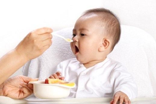 Bệnh xuất huyết dạ dày ở trẻ sơ sinh và những điều cần biết