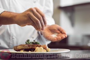 Muối và thức ăn chứa nhiều muối dễ gây ung thư dạ dày