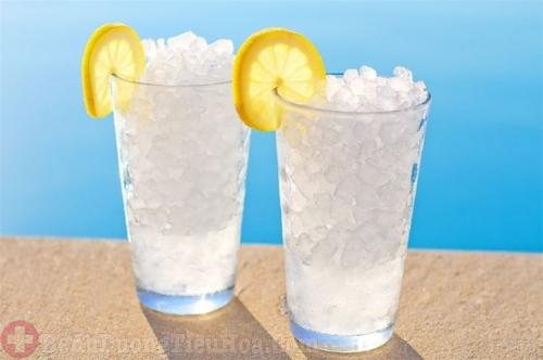 Viêm dạ dày cấp không nên uống nước đá