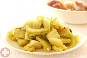 Người bệnh đau dạ dày nên hạn chế thực phẩm muối chua