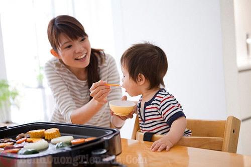 Sai lầm trong ăn uống có thể gây bệnh viêm đại tràng ở trẻ