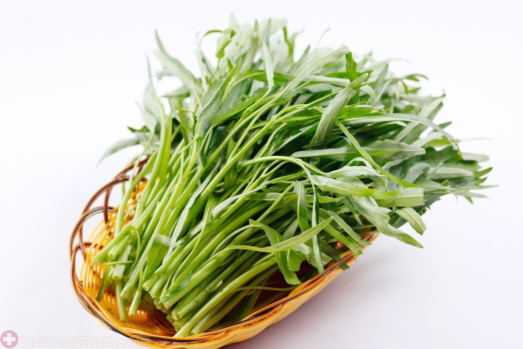 Bị bệnh trĩ có nên ăn rau muống?
