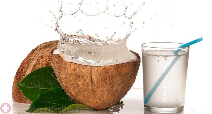 Bệnh trĩ tuyệt đối không nên uống nước dừa