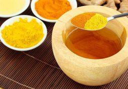 Kết hợp nghệ và mật ong mang đến hiệu quả điều trị viêm đau dạ dày không ngờ
