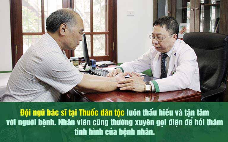 Nghệ sĩ Bình Xuyên điều trị bệnh trĩ tại Thuốc dân tộc